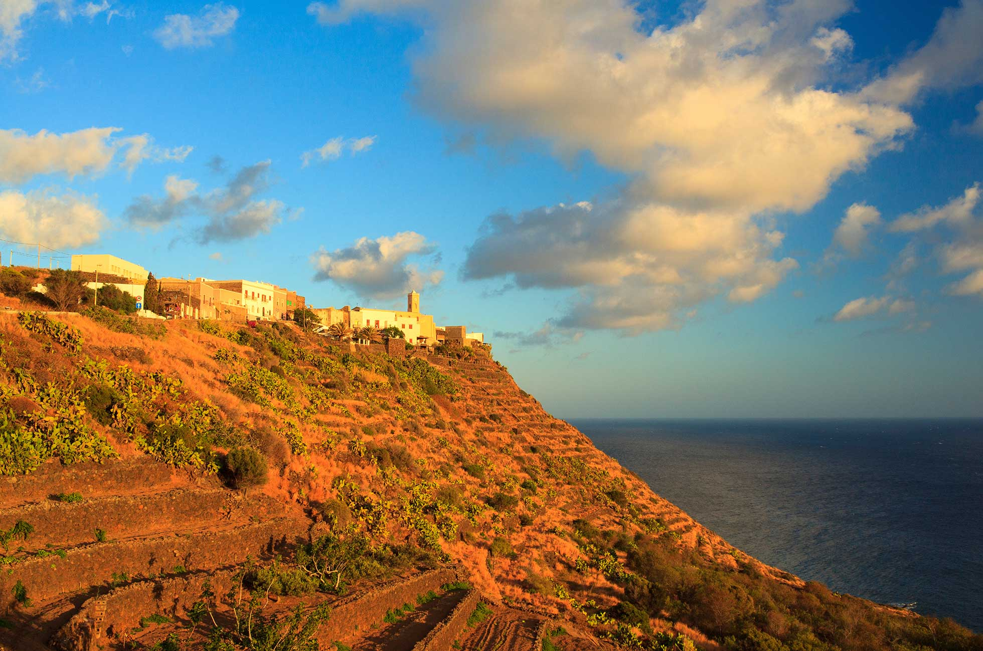 Le Un'isola Abitare Per Tutte Pantelleria Stagioni qUGVpSzM