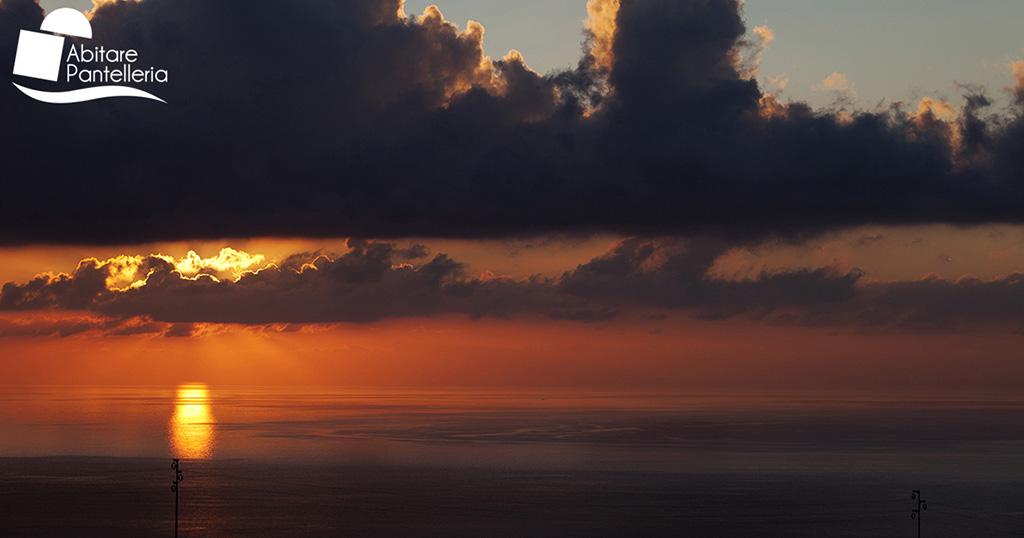 Sedile Imponente E Severo.Cosa Vedere Abitare Pantelleria